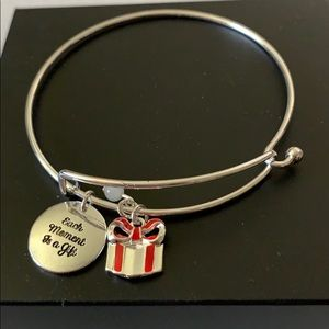 AVON Holiday Charms Bracelet-Each Moment Is A Gift